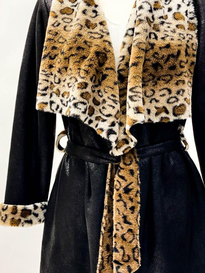 Mantel mit Leoinnenfutter