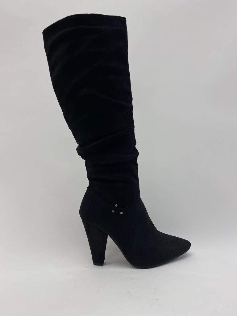 Hoher Stiefel spitz in schwarz