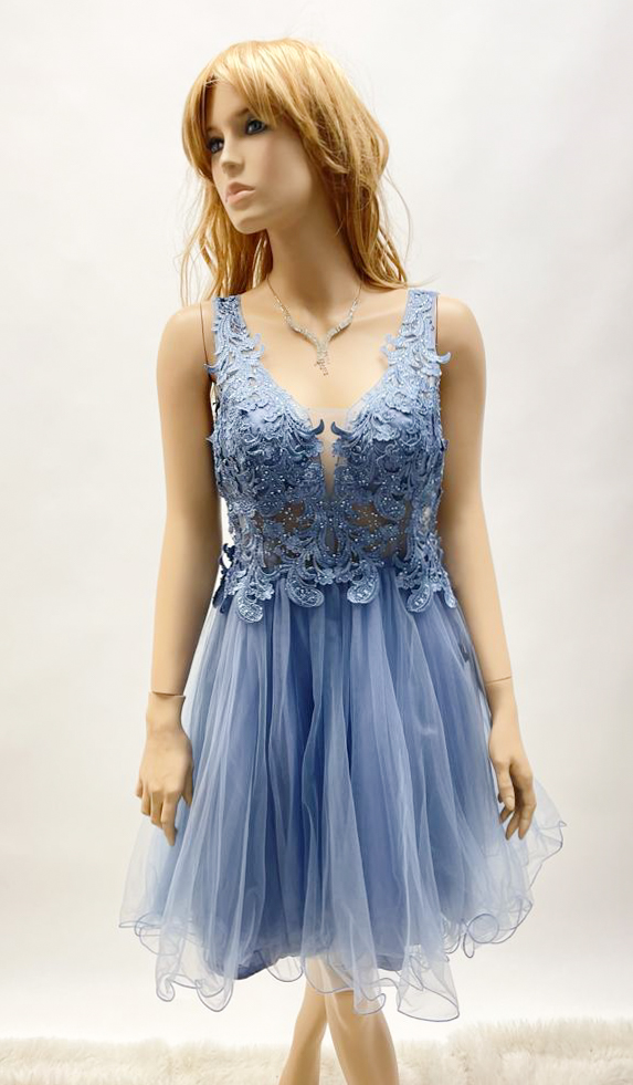Kurzes Kleid mit Blumenmuster in Hellblau & Rot