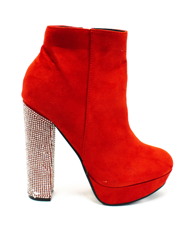 Stiefel in Rot mit Strassabsatz