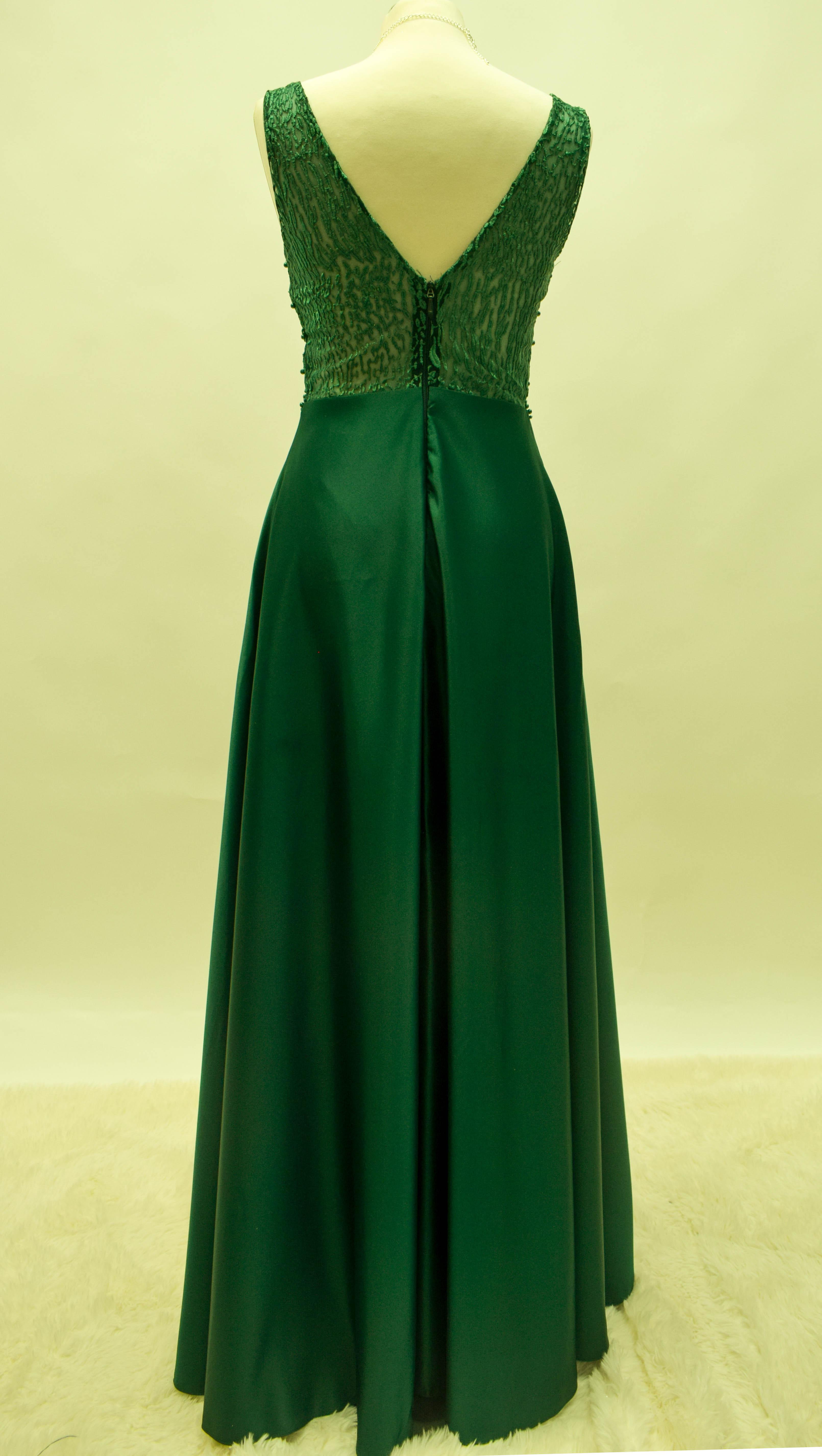 Abendkleid in Bordeux, Marineblau, Tannengrün