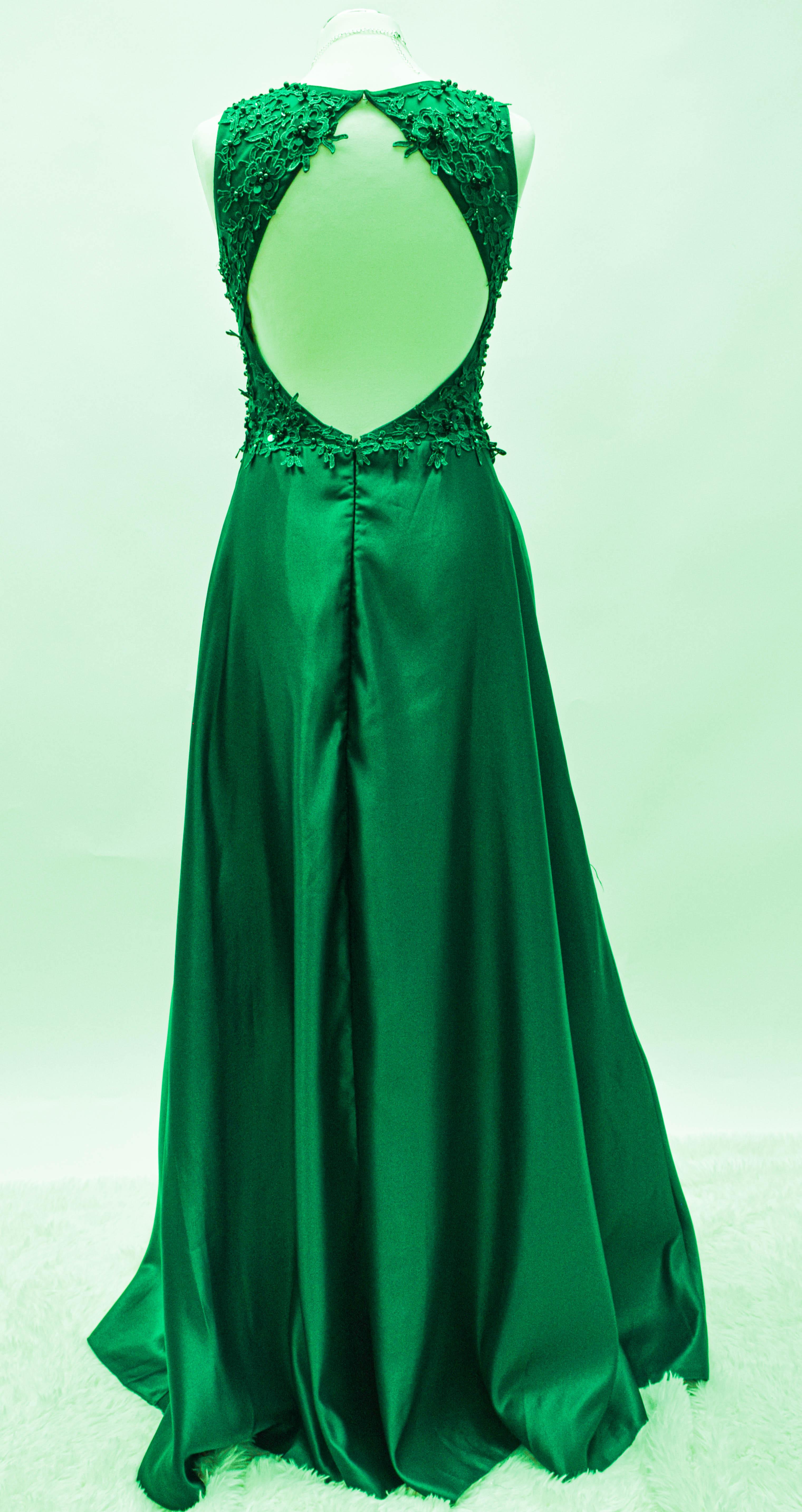 Abendkleid in Smaragdgrün, Altrosa, Taubenblau
