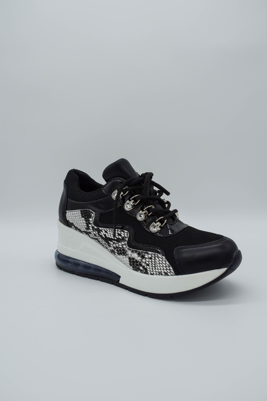 Sneaker schwarz/weiss mit Schlangenmuster